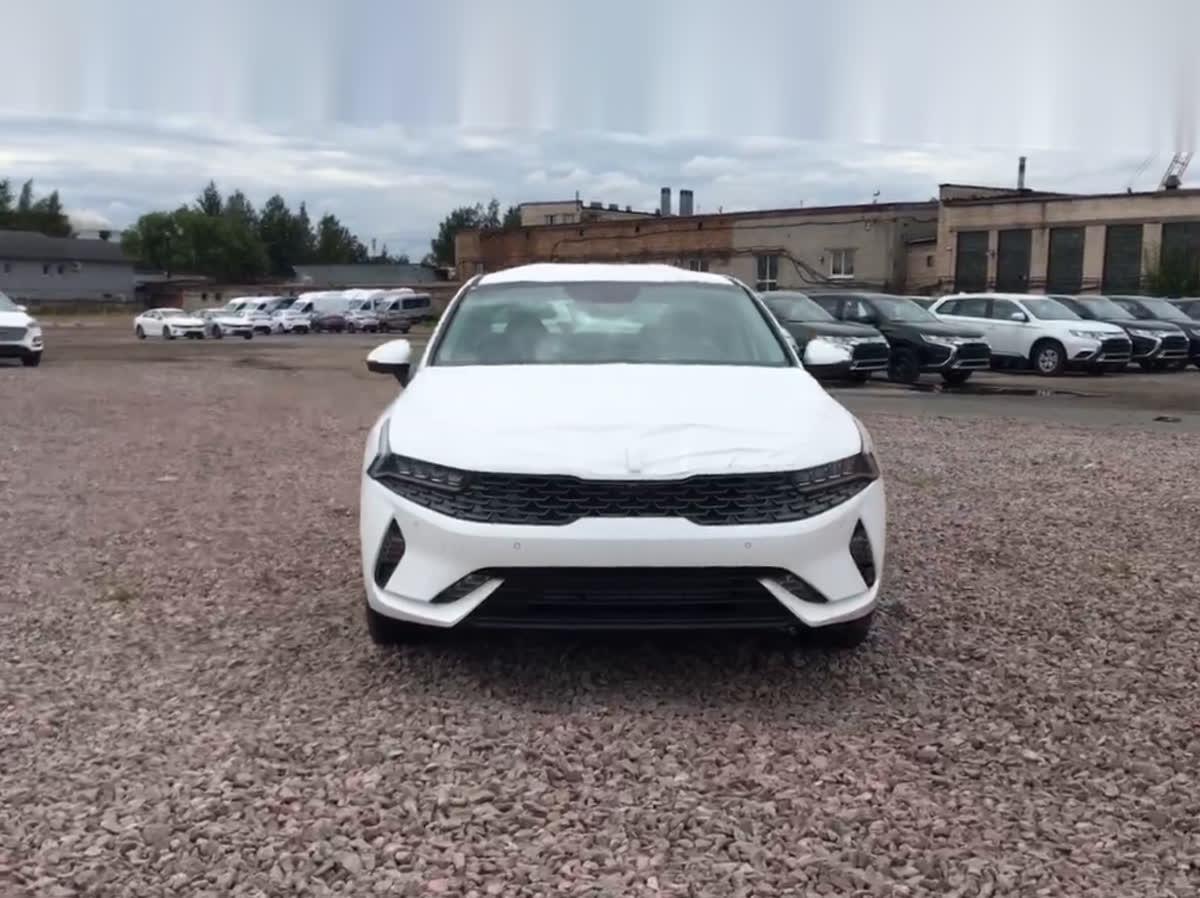 2020 Kia K5 III, белый, 1844900 рублей