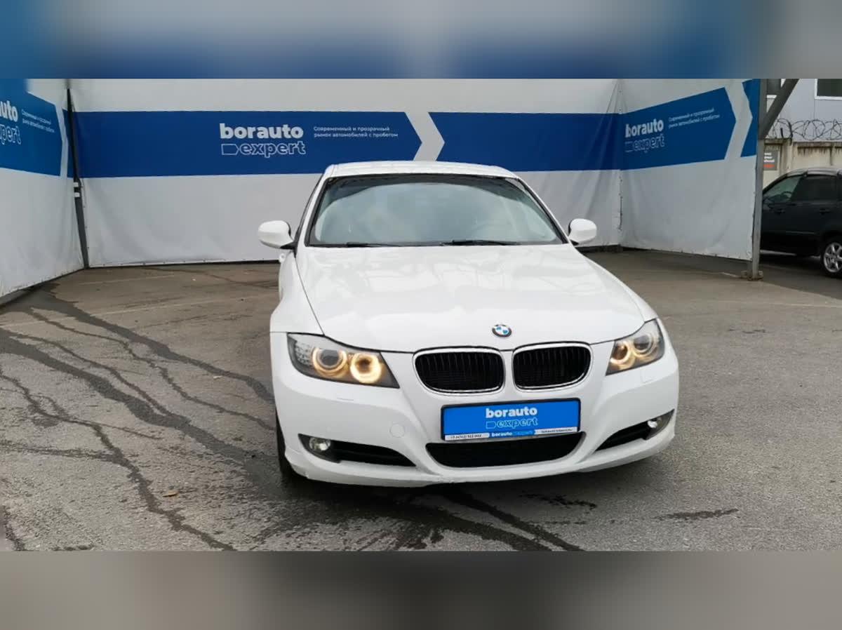 2011 BMW 3 серии  V (E90/E91/E92/E93) Рестайлинг 318i, белый, undefined рублей